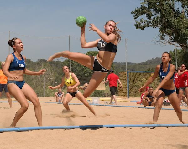 spectacle in lausanne ihf presented beach handball to the ioc and