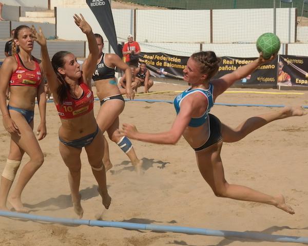 draw for men s and women s under 16 beach handball euro made