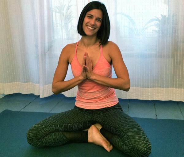 Sahra Behagh hat sieben Yoga-Übungen für Handballer zusammengestellt.