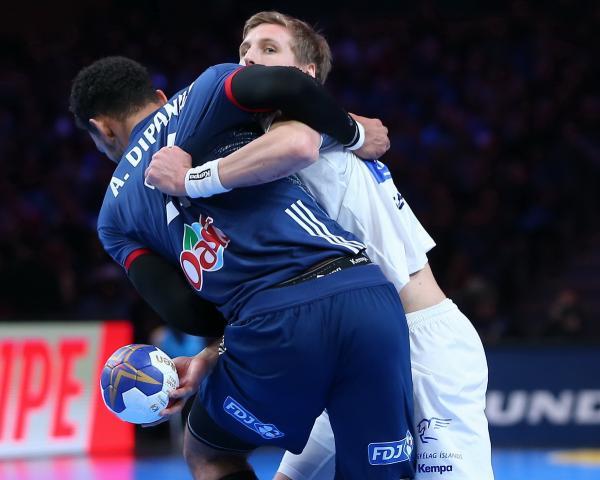 Schiedsrichter Island Frankreich