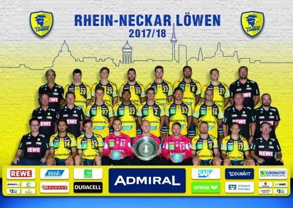 Teamfoto Rhein-Neckar Löwen 2017/2018 <br /><br /> <b>Hinten (von links nach rechts):</b><br />  Mannschaftsarzt Dr. Stephan Maibaum, Momir Rnic, Maximilian Trost, Gedeon Guardiola, Hendrik Pekeler, Kristian Bliznac, Harald Reinkind, Sportlicher Leiter Oliver Roggisch.  <br /><br /> <b>Mitte: (von links nach rechts):</b><br /> Mannschaftsarzt Dr. Ulrich Steinhauser, Physiotherapeut Sven Raab, Rico Keller, Mads Mensah Larsen, Andy Schmid, Alexander Petersson, Rafael Baena, Trainer Nikolaj Jacobsen, Co-Trainer Klaus Gärtner <br /><br /> <b>Vorne: (von links nach rechts):</b><br /> Physiotherapeut Sascha Pander, Bogdan Radivojevic, Patrick Groetzki, Lucas Bauer, Mikael Appelgren, Andreas Palicka, Gudjon Valur Sigurdsson, Jerry Tollbring, Betreuer Konrad Hoffmann <br /><br /> Es fehlt: Filip Taleski