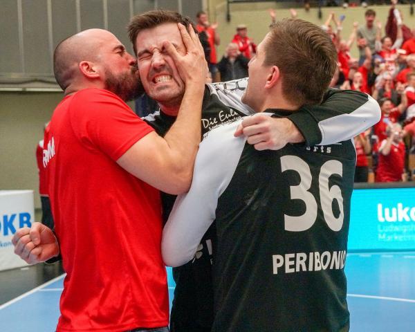 Siegeskuss von Philipp Grimm für Kevin Klier, Eulen TSG Ludwigshafen-Friesenheim