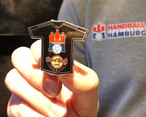 Der HSV Handball Pin im Hard Rock Cafe