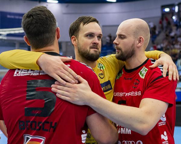 2 Handball Bundesliga Kompakt Ergebnisse Tabelle Und Torschutzen Hamm Hamburg Und Lubeck Vorne