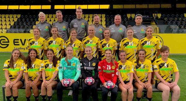 BV Borussia 09 Dortmund - Teamfoto Mannschaftsfoto 2020/21