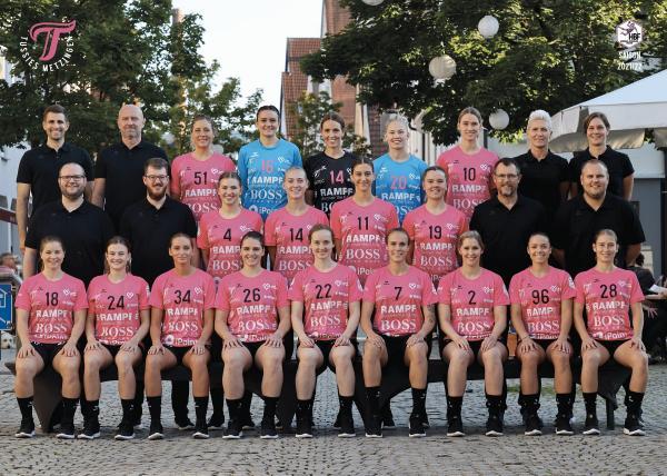 Teamfotos HBF1 2021/22 - TuS Metzingen